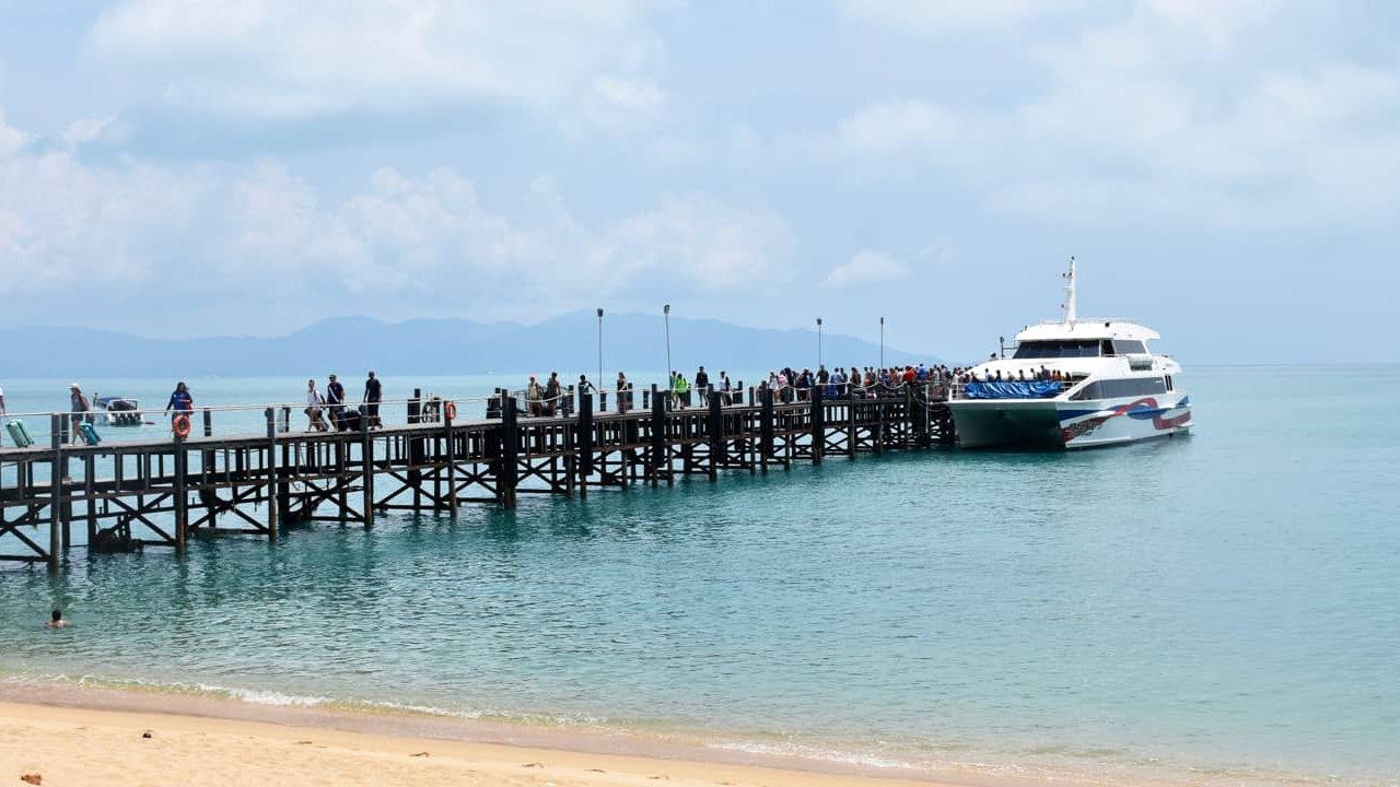 Lomphraya Catamaran Ferry - Koh Samui - Thailand