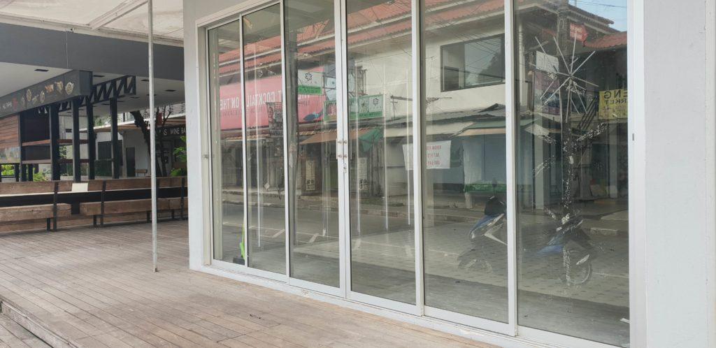 Koh Samui Tourism Decline Shop 8